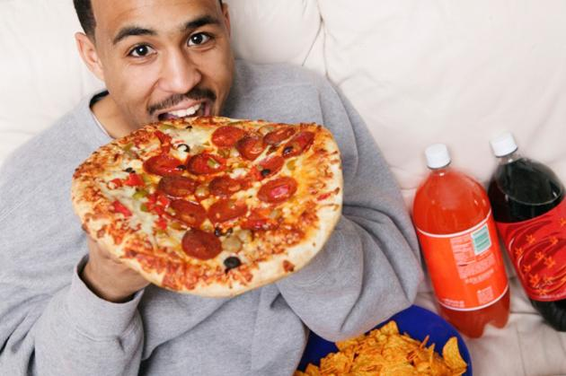 man-eating-pizza-1